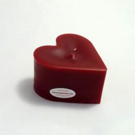 Rote Herzkerze